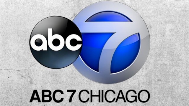 "Männerstimmen Basel: ""Rush Hour Concert in Chicago"" (abc7 chicago)"